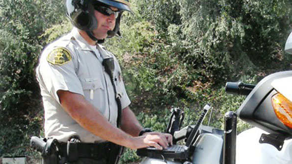 L.A. County Sheriff's Department motorcycle officers get laptops (with related video)