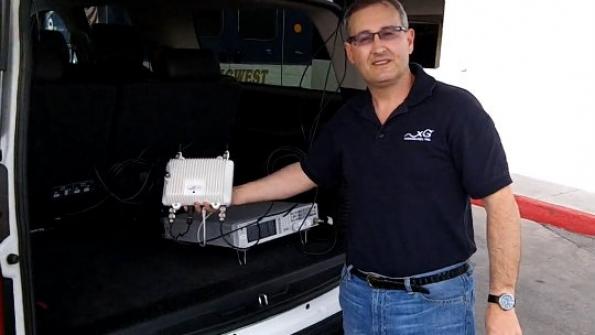 xG Technology demo (part 2): Vehicle modem with Wi-Fi bubble