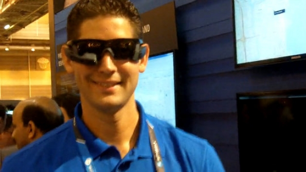 Motorola Solutions: Danny Sanchez demonstrates how Recon smart glasses work for officers in the field